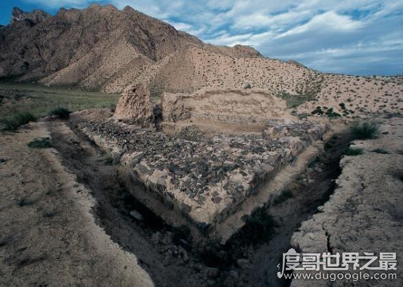 血渭一号大墓,青海都兰最为壮观的一座墓葬乃九层妖塔原型
