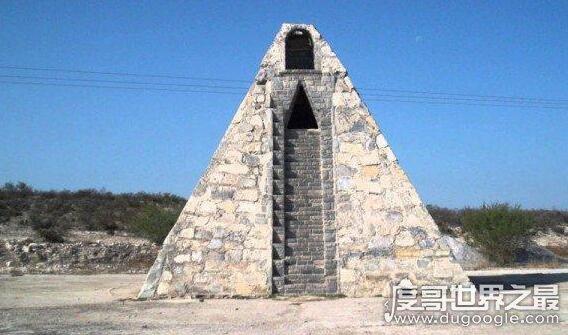 世界上最大的金字塔,墨西哥丘鲁拉城金字塔(是胡夫金字塔2倍)