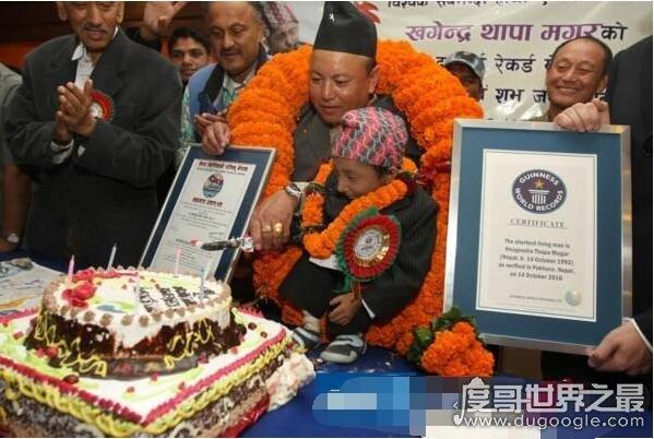 世界上体重最轻的成年人,尼泊尔26岁男子仅重11斤(图)