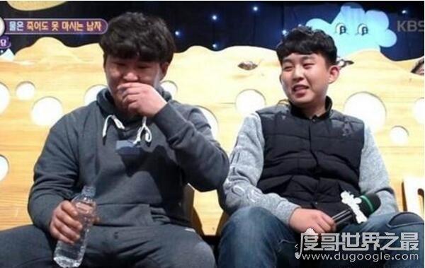 不喝水时间最长的人,韩男子20年不喝水(喝药都是用可乐)