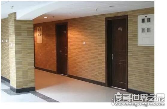 亚洲最大宿舍楼,虹远楼有2000多间学生公寓房(此乃女生宿舍)