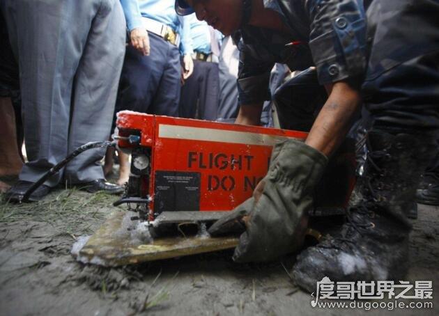 飞机黑匣子是什么东西?记录空难发生前的飞行数据和音频