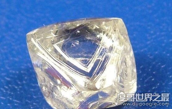 中国所发现的最大钻石,金鸡钻石重281.25克拉(被日本人抢走)