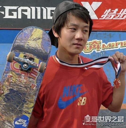 中国滑板第一人,车霖(第一届亚洲滑板锦标赛金牌获得者)