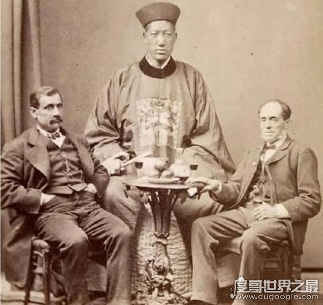 中國巨人詹世釵真實身高2.44米,網傳身高3.19米實為謠言
