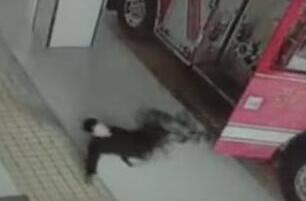 深圳19岁男生误杀父亲跳楼身亡,因和物业发生口角争执