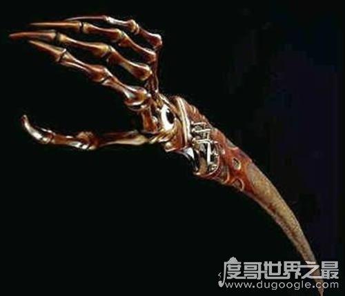 世界上最恐怖的一把刀,意大利鬼手刀(用铁匠家人的骨头制成)