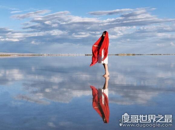青海省乌兰县泥石流_抖音上的茶卡盐湖在哪里,是位于青海省内的天然结晶盐湖 — 度 ...