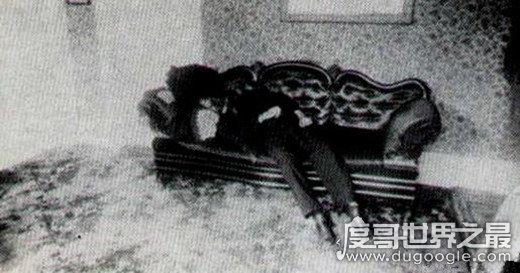 世界十大奇案之莉齐·鲍顿谋杀案,残杀父亲和继母(未认罪)