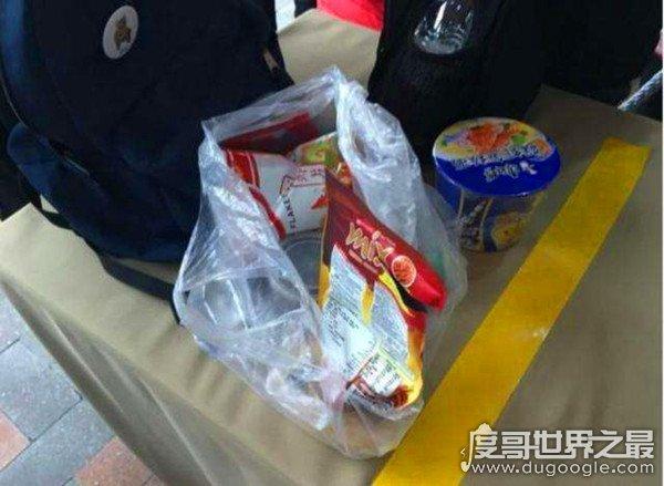 上海迪士尼禁止自带饮食被告,大三学生表示将斗争到底