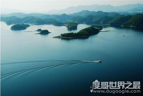 世界上最深的湖,贝加尔湖最深处1637米(总水量等于20条长江)