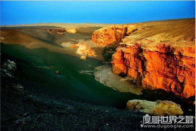 中国海拔最高的盆地_世界上海拔最高的盆地,中国青海柴达木盆地(海拔4000多米) — 度 ...
