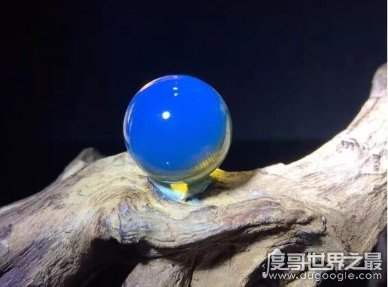 世界上最贵的蜜蜡,多米尼加蓝珀是价格最高的一种琥珀