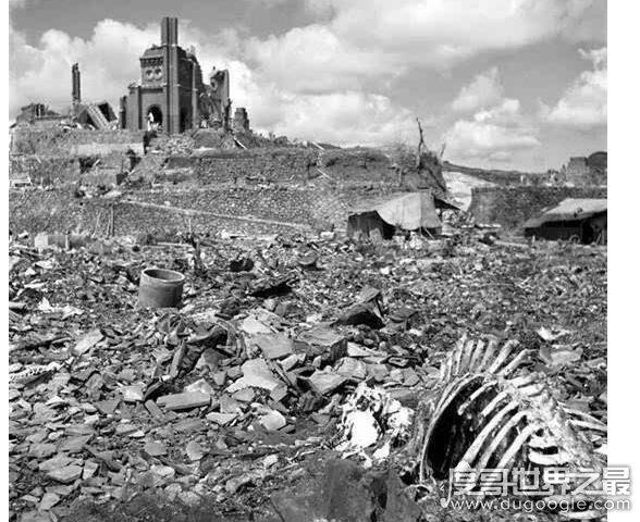 长崎原子弹事件回顾,大概60%的建筑物被毁(伤亡人数达8.6万)