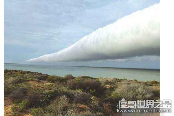 滚轴云的出现预示着什么,通常预示着即将发生暴风雨