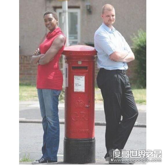 世界上最高的孪生兄弟,平均身高超过208厘米(想打破吉尼斯纪录)