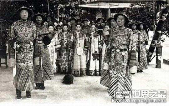 慈禧太后十八岁照片复原,被誉为清朝第一美女(真的很漂亮)
