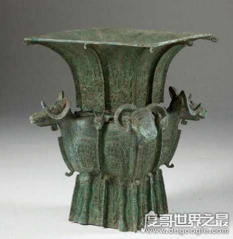 四羊方尊是哪个朝代的,商代晚期祭祀礼器(现存最大的青铜方尊)