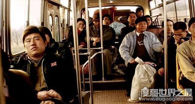 電影車44路的原型事件回顧,公交車44路墜河(車內無一人生還)