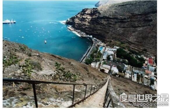 世界上最长的直楼梯,位于圣赫勒拿岛的楼梯有699级台阶