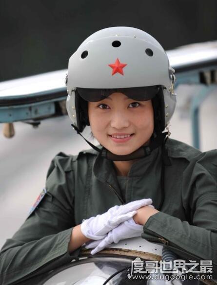 《我和我的祖国》吕潇然原型是谁,成都妹子陶佳莉(从小就有飞行梦)