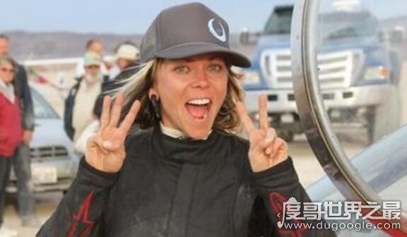地表最快女车手,杰西·康姆斯因车祸身亡(创造时速777公里纪录)
