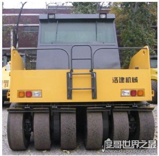 世界上最大的压路机,LRS240E是最大吨位的轮胎压路机(国产)