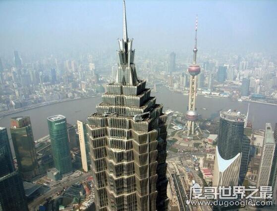 上海金茂大厦多高,高度有420.5米(是上海的第三高楼)