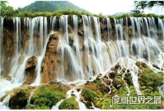 九寨沟最宽的瀑布,诺日朗瀑布(宽270米/高24.5米/海拔2365米)