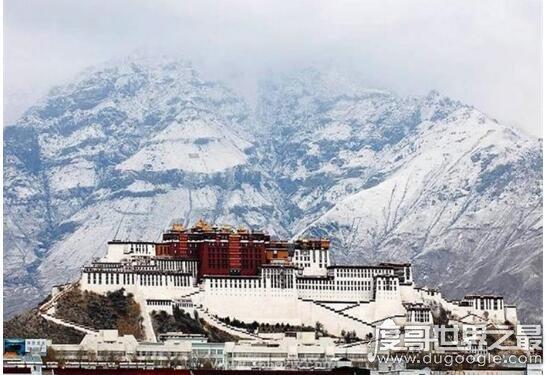 世界上最高的宫殿,西藏布达拉宫(位于海拔3700米的高原)