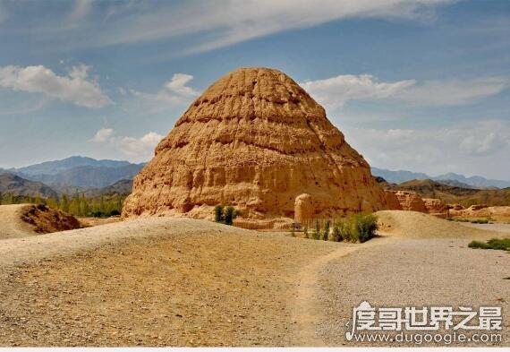 东方金字塔在哪个城市,位于宁夏银川市西夏区(是指西夏王陵)
