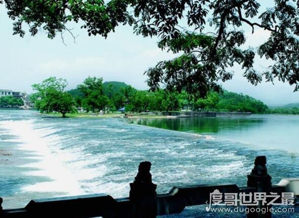 中國最早的運河,靈渠在公元前214年就已經成功通航(位於廣西)