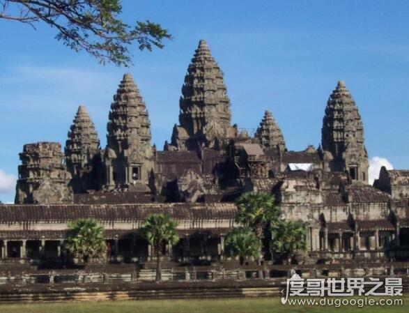 世界上最大的寺庙,柬埔寨吴哥窟(其修建30多年才完工)