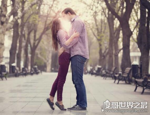 女人亲男人哪里让他最上瘾,亲吻这4个部位男人是最享受