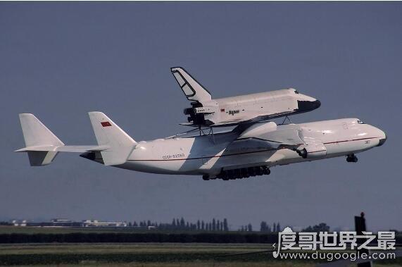 世界大型运输机排名,安225运输机排第一(能运送航天飞�z毫不�机)