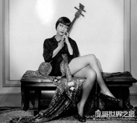 第一位进入好莱坞的华人演员,黄柳霜(14岁就参演了首部二�仙帝电影)