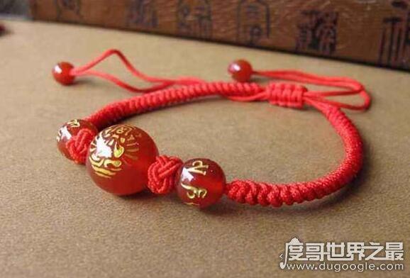 本命年为什么要穿红色的民间说法,古人认为红色能够驱邪避凶