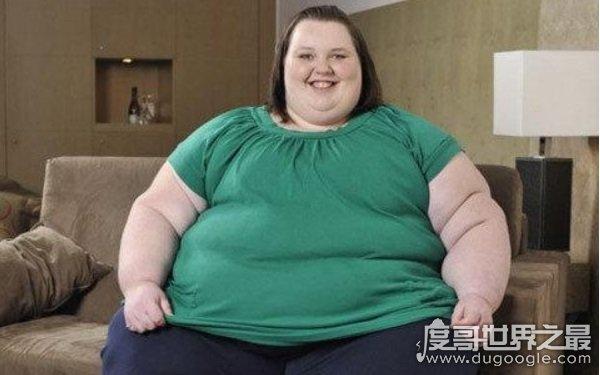 世界上最胖的人1.8吨,以胖为美持续增肥(还未达到1.8吨)