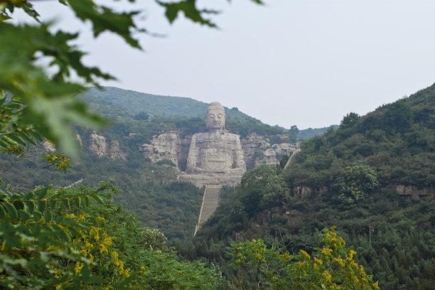 """世界上最古老的佛像,西山大佛1459年历史(有""""斜佛""""危险)"""